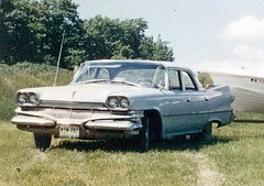 blue two cars car sedan mom four boat dad 64 newport dodge pearl chrysler mopar slides starcraft dart 1962 60 seneca 62 mycar sixty nineteen 1964 1960 wpc walterpchrysler 4door nineteensixtyfour chryslercorporation nineteensixty nineteensixtytwo