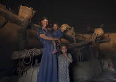 Family in Adama - Ethiopia (Eric Lafforgue) Tags: tribo äthiopien etiopia ethiopie etiopía 9862 エチオピア etiopija ethiopië 埃塞俄比亚 etiopien etiópia 埃塞俄比亞 etiyopya אתיופיה эфиопия 에티오피아 αιθιοπία 이디오피아 種族 етиопија 衣索匹亚 衣索匹亞