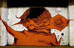 (L E G) Tags: street art graffiti leg taranto