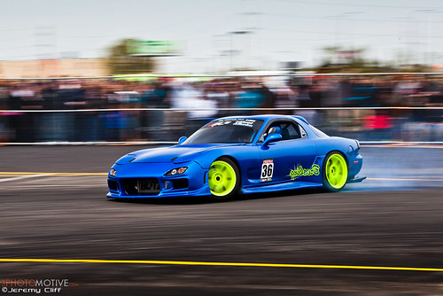 Mazda RX-7 Drifting at Auto Mass Round 1