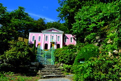 This is what Portmeirion looks like (07-2013) by SEIGAR (12) (Seigar) Tags: uk trip travel viaje color travelling wales photography photo photographer unitedkingdom gales traveller vision postcards portmeirion welsh viajar postales reinounido viajero seigar