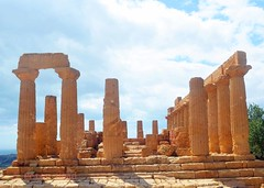 Valley of the Temples - Temple of Giunone 2-1 (Sussexshark) Tags: holiday temple sicily vacanza sicilia juno agrigento valledeitempli valleyofthetemples 2016 giunone