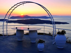 Santorini at sunset (mujepa) Tags: sunset islands santorini santorin coucherdesoleil les caldeira
