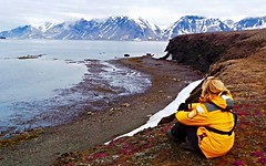 Just me, enjoy the beauty of Svalbard (MoniqueM68) Tags: svalbard arctic spitsbergen northpole