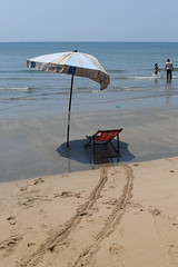 Bang Saen beach (g e r a r d v o n k ) Tags: artcityart art asia asia asian beach canon city colour expression eos earthasia fantastic flickraward lifestyle ngc newacademy outdoor totallythailand photos people reflection stad sky this travel thailand thai unlimited uit umbrella chairs whereisthis where water yabbadabbadoo