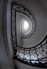 D (maxelmann) Tags: wien stairs austria sterreich stair d stairway fisheye treppe 1017 treppenhaus hoch stiegenhaus runter aufundab maxelmann ybbsstrase tokinaatx1017mm treppenglnder