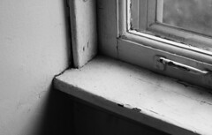b&w window (unicoherent) Tags: bw art window corner photography photo room myroom unicoherent