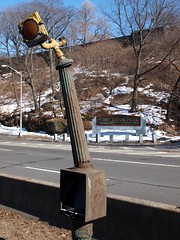 Old Traffic Signal Pole, Henry Hudson Parkway, New York City (jag9889) Tags: road park old city nyc ny newyork lamp vintage traffic control post box antique manhattan pole parkway washingtonheights forttryon fortwashington pedestal ruleta nycparks wahi henryhudson hhp marbelite