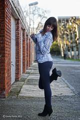 Cris - 201 [2012-2] (G. Goitia) Tags: cute beautiful beauty pose book model focus exterior gorgeous modelo linda stunning session framing guapa serie belleza composicin sesin posado encuadre postura enfoque canoneos5d modelpossing