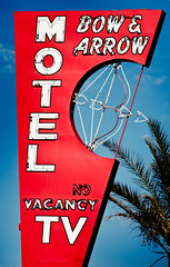 Bow and Arrow Motel (TooMuchFire) Tags: vegas signs vintage neon lasvegas bowandarrow neonsigns motels lasvegasboulevard neonboneyard vintagesigns oldmotels canon30d oldvegas neonsignage historicsigns bowandarrowmotel oldneonsigns vintagemotelsigns bowarrowmotel toomuchfire