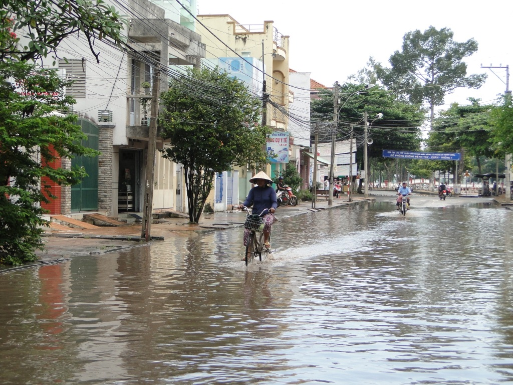 Vietnam flooding 2011 by EU Civil Protection and Humanitarian Aid Operation, on Flickr