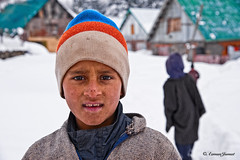 Kids | Sonamarg Valley | Himalaya | _AJP9819 (azj68@yahoo.com | +6 0138895959) Tags: blue winter red india mountain lake snow kids boat cool tajmahal kashmir srinagar himalaya snowwhite masjid ais shikara salji tasik azman dallake pahalgam kanakkanak beku budakbudak azmanjumat tasikdal