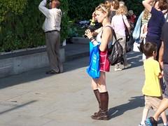 Hesitant Photographer (Waterford_Man) Tags: london girl trafalgarsquare tourist candidmpeople