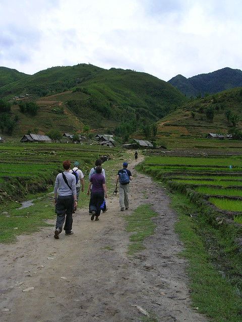 Trekking in Sapa  Kirsten Grafdah, Becky Lawrence, Tim Segar, Ryan Kish, Ian Jones