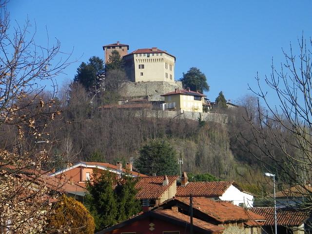 1] Roppolo (BI): case e castello - ❸