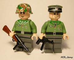 Wehrmacht Officers WWII LEGO (MR. Jens) Tags: wwii ww2 world war two lego custom german germany mp40 mp41 brickarms splinter camo m36 uniform 1935 1939