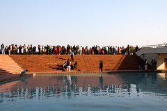 Reflection of the crowd (JuhaOnTheRoad) Tags: india asia bahai newdelhi lotustemple earthasia