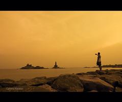 Untitled !! (Camera கிறுக்கன்) Tags: sea india beach waves tripod shore tones tamilnadu kanyakumari chennaiweekendclickers cwc145