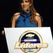 Lucila Pinto mestre de cerimônias de Convenção de Vendas da GM