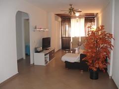 Grandioso salón comedor todo exterior muy soleado. En su inmobiliaria Asegil en Benidorm le ayudaremos sin compromiso. www.inmobiliariabenidorm.com