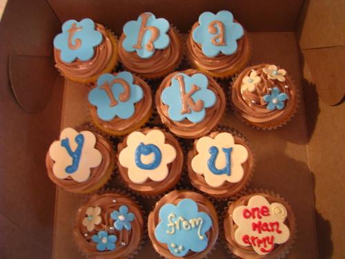 """Thank you"" cupcakes"