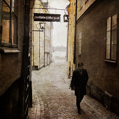 Stockholm Ghost Walk (Milla's Place) Tags: street city man alley sweden stockholm textures gamlastan oldtown textured distressedjewell skeletalmess magicunicornmasterpiece kerstinfrankart stockholmghostwalk