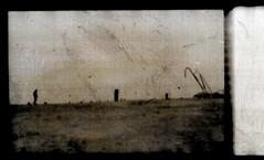 les fossiles (laboratoire de l'hydre) Tags: mer silhouette port gare decay gaz stalker bela rue brouillard usine ponton brume jetée tarr cheminée pologne abandonné tarkovski angelopoulos bestcapturesaoi