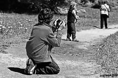 Imitando a su abuelo (50josep) Tags: blackandwhite primavera canon wb hombre menorca biancoenero ciutadella whiteandblack canon40d 50josep geomenorca geomenorcaonlythebest