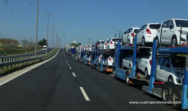 Cola de camiones esperando para cruzar la frontera Turco-Búlgara