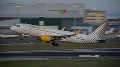 Vueling Airlines EC-MAN Airbus A320-214 (W) (P.J.V Martins Photography) Tags: portugal flying lisboa lisbon aircraft flight aeroplane airbus airlines panning airliner a320 vueling