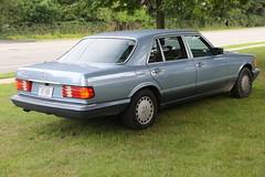 1989 Mercedes-Benz 560SEL (vetaturfumare - thanks for 2 MILLION views!!!) Tags: blue grass mercedes mercedesbenz 560 sclass sonderklasse 560sel sklasse w126 v126
