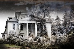 The Haunted House III (photoroberto) Tags: house building abandoned architecture ghost hauntedhouse ghosthouse creativeedit