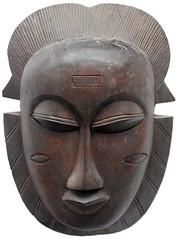 10Y_0890 (Kachile) Tags: art mask african tribal ctedivoire primitive ivorycoast gouro baoul nativebaoulmasksaremainlyanthropomorphicmeaningtheydepicthumanfacestypicallytheyarenarrowandfemininelookingincomparisontomasksofotherethnicitiesoftenfeaturenohairatallbaoulfacemasksaremostlyadornedwithvarioustrad