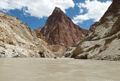 Rafting and Kayaking on the Zanskar river