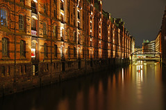 Speicherstadt (mr172) Tags: night germany deutschland nacht sony hamburg sigma 1770 speicherstadt speicher hafencity brooksfleet slta55