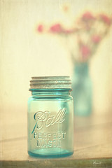 perfectly retro (.•۫◦۪°•OhSoBoHo•۫◦۪°•) Tags: 1920s red food texture love kitchen canon vintage 50mm aqua turquoise retro collection jar yesteryear odc canningjar fauxvintage hcs canoneos40d ballmasonjars kimklassen clichesaturday februarysalphabetfun2012 cornerormyhome
