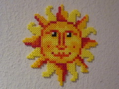 Sonne (petuniad) Tags: beads hama perler prlplattor hamabeads perlerbeads strijkkralen bgelperlen buegelperlen