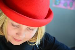 Leebem (anuwintschalek) Tags: winter red portrait rot home hat austria costume hut paula february karneval 2010 kodu shrovetuesday talv kodus wienerneustadt lapsed faschingsdienstag vastlapev punane kbar d7k nikond7000 sigma1770os rotercherin