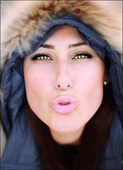 Kiss kiss from Russia (Bruno French Riviera) Tags: portrait woman canon 50mm eyes russia femme bisou portraiture froid russie kisskiss