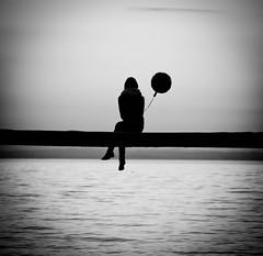 Altrove (Alessio Albi) Tags: shadow silhouette baloon flickraward5 flickrawardgallery