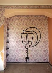 Mortelle apparition (B.RANZA) Tags: streetart graffiti tag trace urbanart histoire waste graff sanatorium hopital empreinte exil cmc patrimoine urbex disparition abandonedplace mémoire friche centremédicochirurgical
