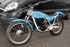 250 (Fast an' Bulbous) Tags: santa england bike spring pod nikon cloudy gimp april trials rwyb santapod bultaco d300s