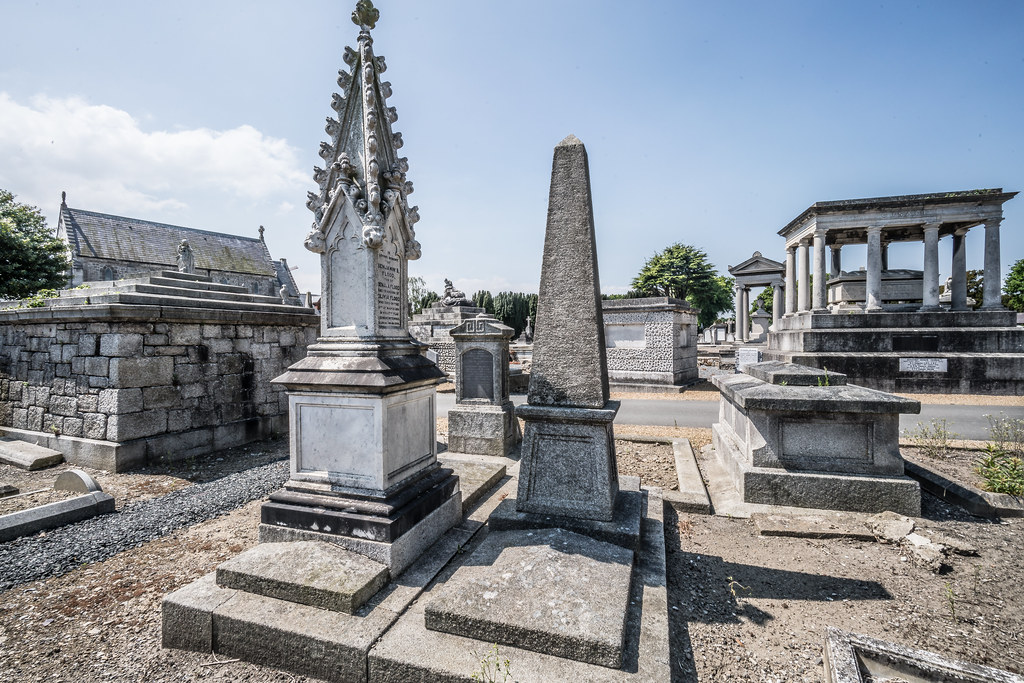 MOUNT JEROME CEMETERY AND CREMATORIUM IN HAROLD'S CROSS [SONY A7RM2 WITH VOIGTLANDER 15mm LENS]-117042
