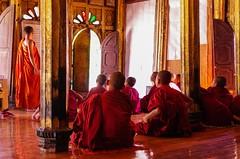 IMGP7552 (Montre ce qu'il voit!) Tags: colors landscape gold golden julien asia pentax couleurs burma religion buddhism myanmar asie mm shan paysage budda vidal k5 birmanie boudhisme myanmarbirmanie