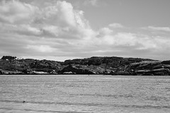 BWJPG---IMG_6412 (r4ytr4ce) Tags: ireland blackandwhite beach landscape 50mm boat eire donegal ire trchonnaill