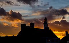 DSC06054 (mortelette.david) Tags: light sunset sky cloud lighthouse france zeiss lumiere contraste headlight nuage phare nord coucherdesoleil planar gravelines littoral loxia petitfortphilippe cloudsstormssunsetssunrises loxia250