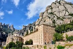 Montserrat (Howard P. Kepa) Tags: catalua barcelona montserrat monasterio benedictinos sigloxi romanico gotico montes montaa