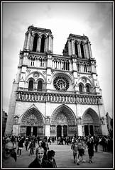 Notre-Dame (Thierry62) Tags: paris seine notredame cathdrale parvis