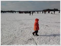 * (Dit is Suzanne) Tags: lake netherlands meer iceskating nederland m paterswoldsemeer schaatsen haren  toertocht views100 natuurijs  paterswoldermeer ditissuzanne    samsunggalaxygio 11022012 201202111353schaatsen