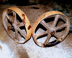 canada wheel metal rust steel wheels rusty nb 100views... (Photo: Shakies Buddy on Flickr)